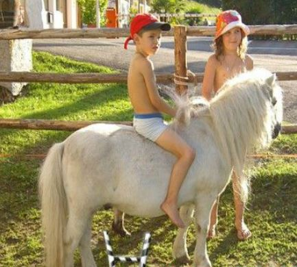 Pony Riding In Summer Game